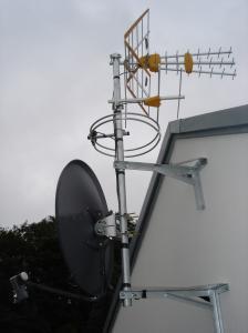 Satellite Installs Holywood